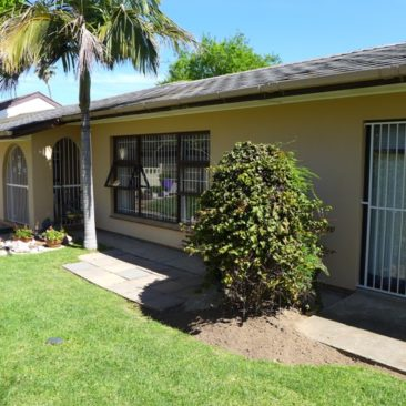 BLOMTUIN Bellville…Very Spacious Family Home for Sale !