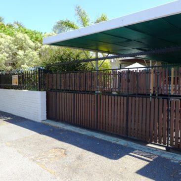 Churchill Estate /PAROW…Neat &Spacious Home…Established &Popular Area!!