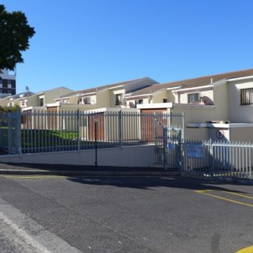 PAROW/ Fairfield Estate… a Stunning Dbl/Storey townhouse for Sale