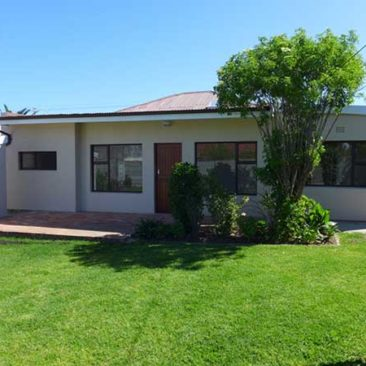 4-Bedroom Home in Glenlily – Parow