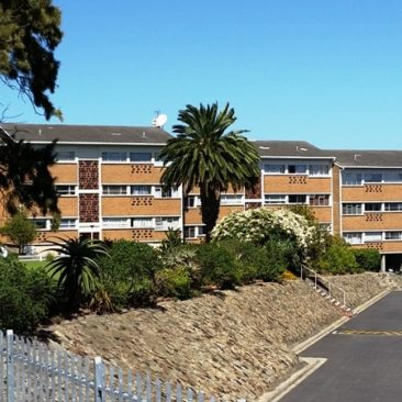 OOSTERSEE, Parow Apartment…90sqm and Covered Parking, Great VIEWS!!
