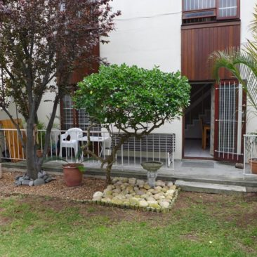 PAROW/Fairfield Estate…Spacious D/Storey in a Secured Complex !
